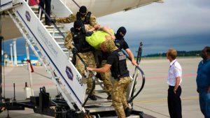 Что будет, если нарушить правила безопасности в самолете