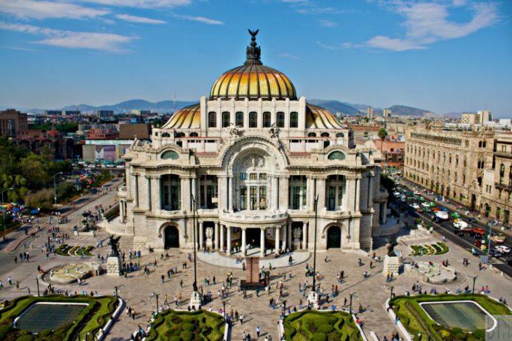 Достопримечательность Мексики - Дворец изящных искусств