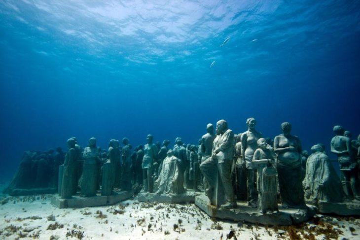 Достопримечательность Мексики - Музей подводных скульптур в канкуне