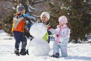 Куда можно поехать с ребенком зимой