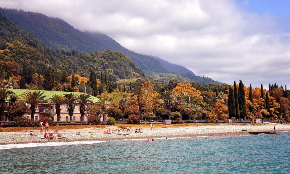 Популярная страна для отдыха - Абхазия