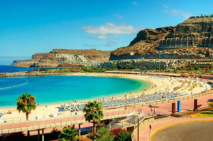 Популярная страна для отдыха - Испания
