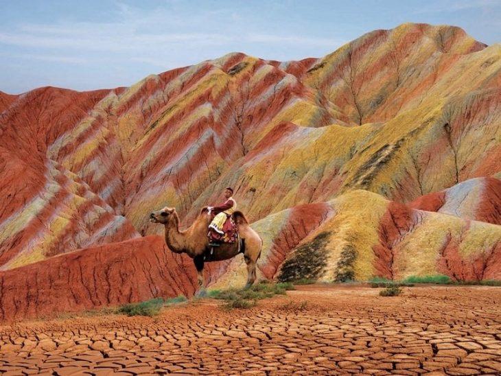 Радужные горы, Геологический парк Чжанъе Данся, Китай
