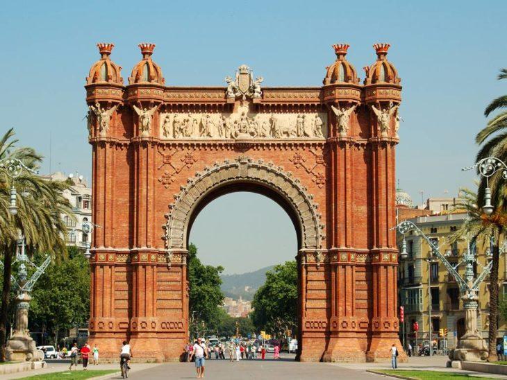 Триумфальная арка в Испании