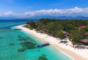 Зимой на море можно поехать в Индонезии