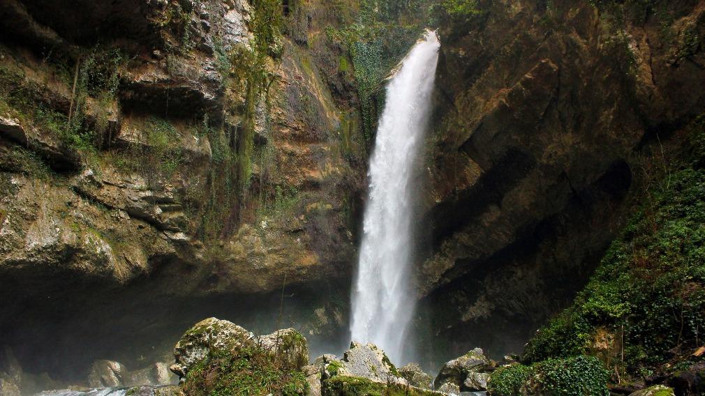 Прогулка в Пасть дракона — классный водопад в Сочи | ТУРИСТАС