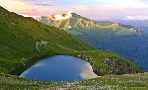 Озеро Хуко – самое загадочное и необычное место Западного Кавказа | Россия  | Россия