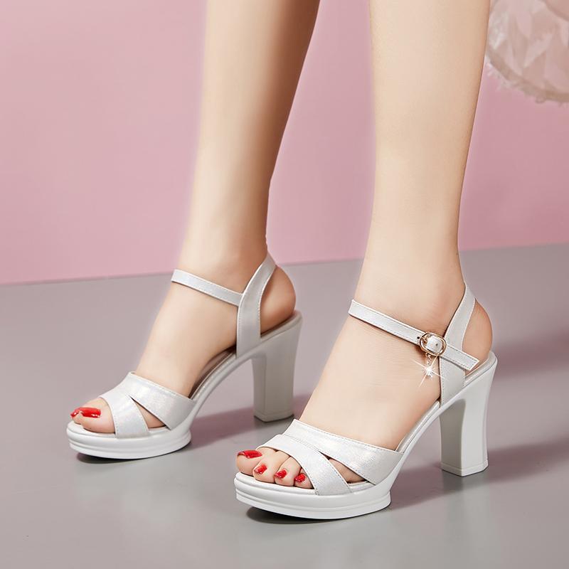 Купить Сандалии 2021 новая девушка лето дикий на высоких  кабгалстук-бабочкаах женщина толстая рыбий рот корейский мисс  водонепроницаемый платформа студент обувь женская в интернет-магазине с  Таобао (Taobao) из Китая, низкие цены   Nazya.com