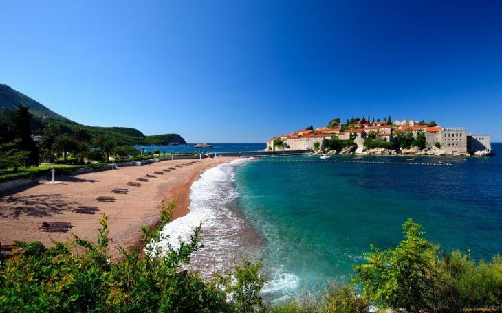 Пляжный курорт Будва в Черногории