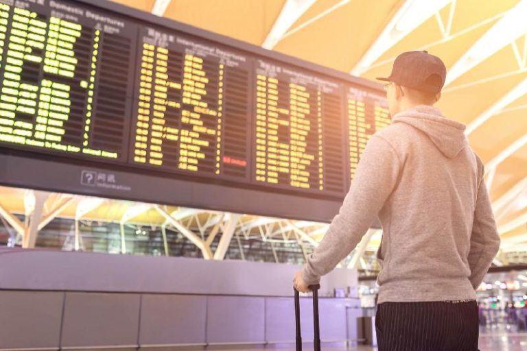 Основные причины задержки рейсов
