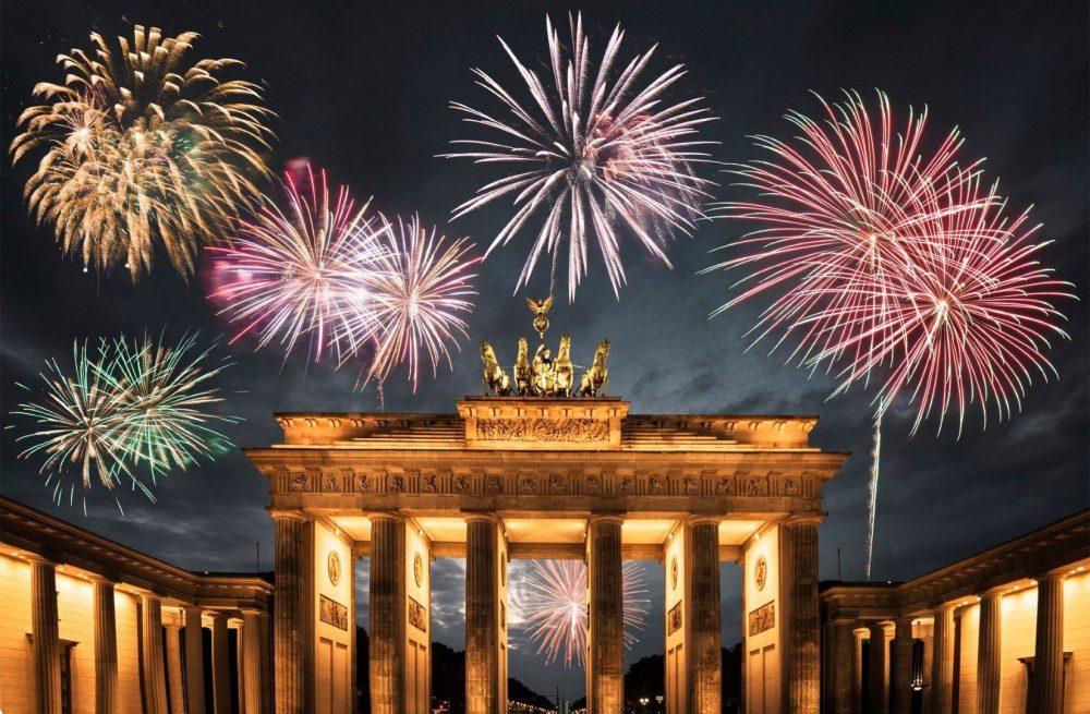 Площадь бранденбургских ворот в Берлине новый год