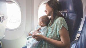 Советы по перелету с маленьким ребенком
